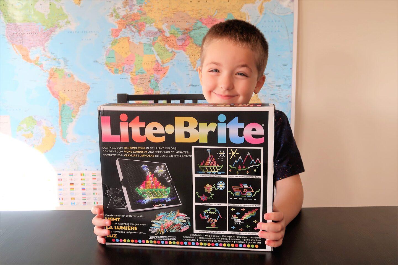 Review| Retro fun with Lite Brite